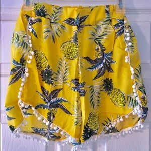 Women's Casual Pineapple Printed Mid Waist Shorts